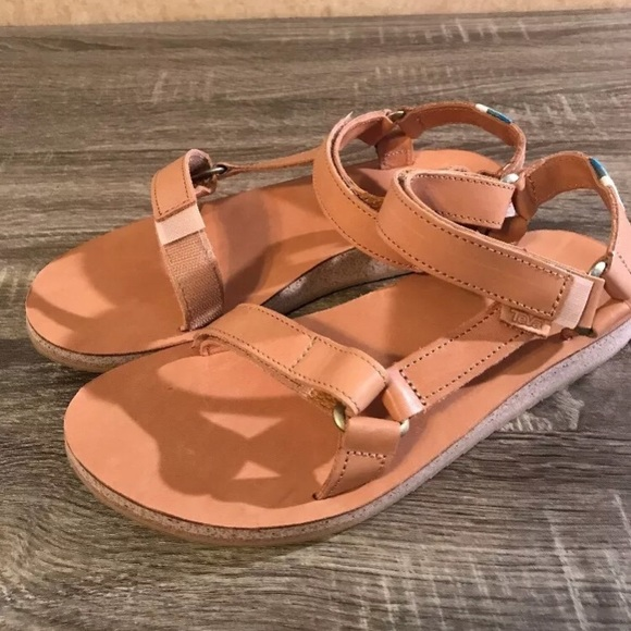 a94f6a7e38ea Teva Original Universal Leather Sandal Brown. M 5accc588daa8f6a74200cd15